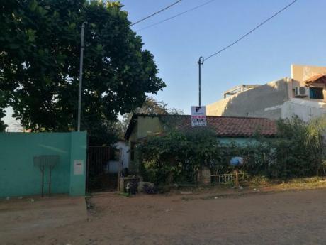 Vendo Casa Zona Mcal. Lopez E Ingavi. Escucho Oferta