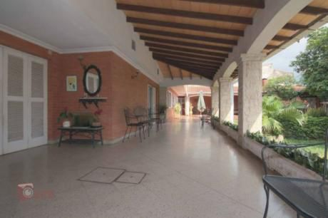 Vendo Espectacular Casa En Sajonia! Zona Residencial
