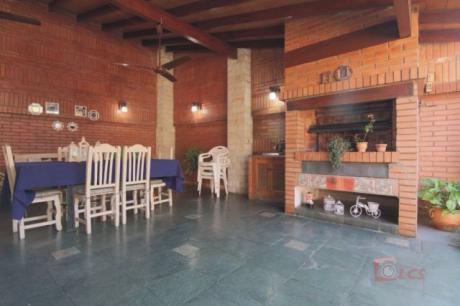 Vendo Espectacular Casa En Lambare! Zona Municipalidad ! Excelente Oportunidad
