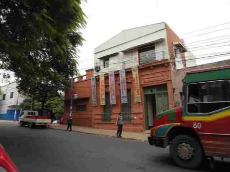 Colon Esq. Jejui Amplia Casa Para Oficina O Universidad
