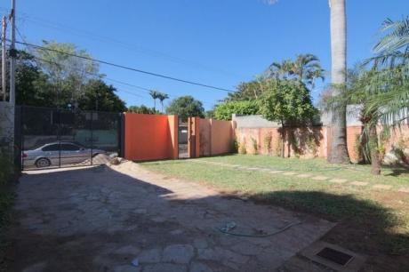 Casa En Lambare, Zona Century Plaza