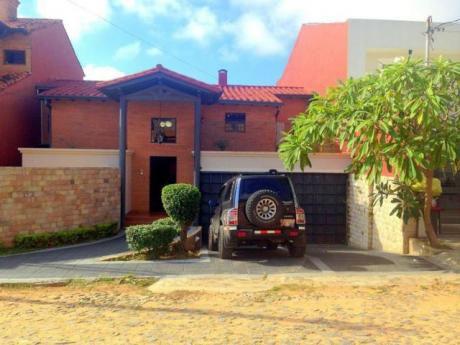 Vendo Casa En Bo Mburucuya A Cuadras De Primer Presidente