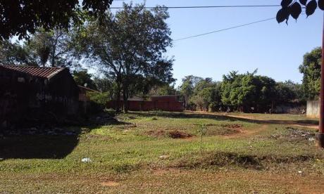 Bella Esquina A Pasos De La Nueva Municipalidad De Luque