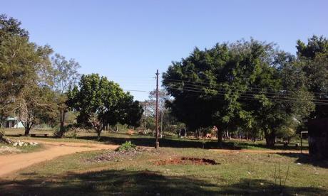 Única En Esquina Y Frente A Plaza, Centro A Pasitos