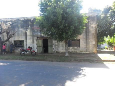 Tinglado Con Casa En Barrio Mirador - Mra