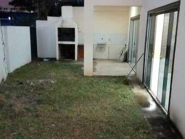 Alquilo Duplex A Pasos De Mcal Lopez Zona Quartier, Clinicas!!!