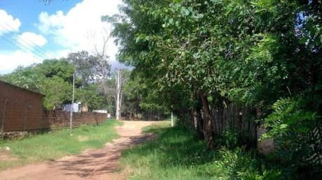 Vendo En Ypane-2.200 M2- –ruta Thompson A Ruta 1