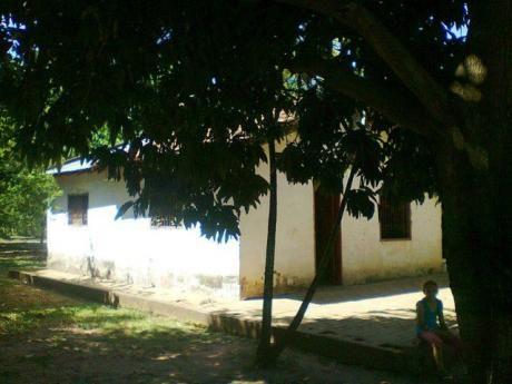 Regalo Casa Especial Para Quinta En Ypane – Potrerito