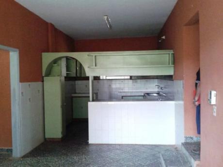 Vendo Casa Quinta En Capiata- 2.800 M2-muralla De 2,5 Mts De Altura