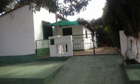 Vendo Casa En Ypane- A Dos Cuadras De La Municipalidad