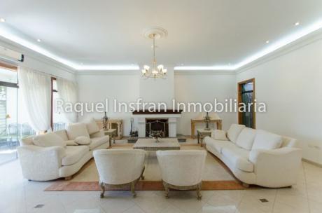 Alquilo Casa Con Piscina En Mcal. Estigarribia