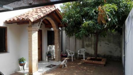 Oferta Casa... Ubicación Privilegiada En Asunción, Barrio Vista Alegre!! A Dos Cuadras De Eusebio Ayala!!