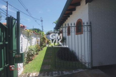 Vendo Residencia En Barrio Los Laureles