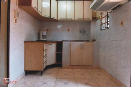Vendo Duplex En Villa Elisa En Condominio, Barrio 3 De Junio