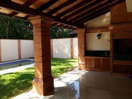Residencia A Estrenar, A Dos Cuadras De Julio Correa