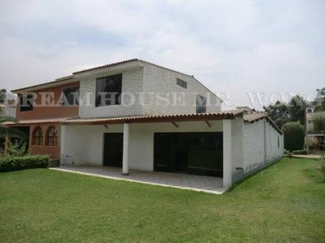 Venta De Amplia Casa Bien Distribuida En Chaclacayo