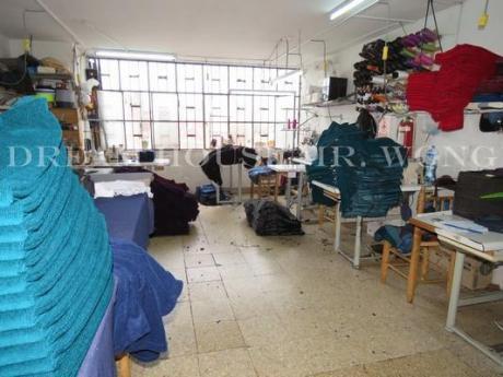 Venta De Excelente Local Comercial En Gamarra - La Victoria