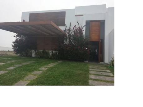 Casa De Playa En Alquiler En Lagunas De Puerto Nuevo, Impecable