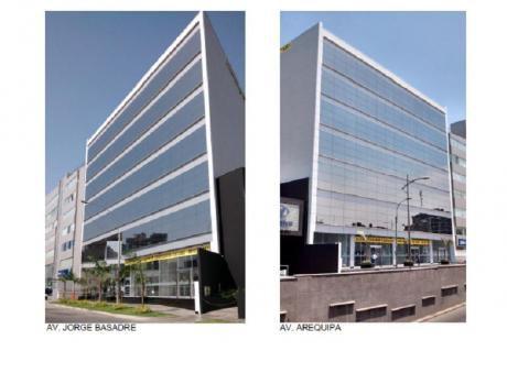 Oficina En Alquiler En San Isidro De Estreno, Implementada