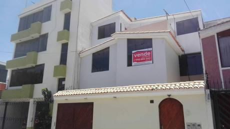 Vendo Casa En Urb. Privada Cercado Arequipa 3 Pisos $180.000