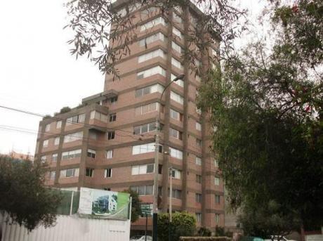 Venta De Departamento San Isidro (a 25 M Del Bosque El Olivar.)