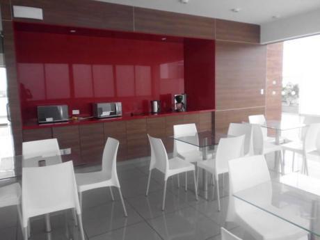 Alquilo En San Isidro, Linda Oficina Con Aire Acondicionado, Lista Para Entrega