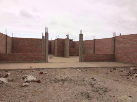 Casa Por Terminar De Construir - Tejidos Antisismicos Y Param Para 5 Pisos