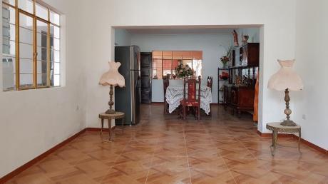 Casa De 300 M2 En Venta, Vista Alegre, Buenos Aires, Trujillo