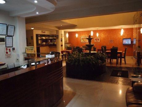 Céntrico Hotel De Tres Estrellas En Venta, A 3 Cuadras Plaza De Armas, Trujilllo