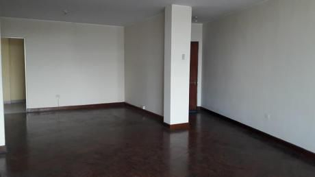 Alquiler De Oficina De 135 M2 En Centro Empresarial