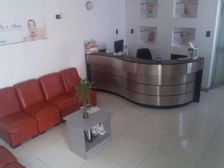 Alquilo Local Comercial En Zona Transitada