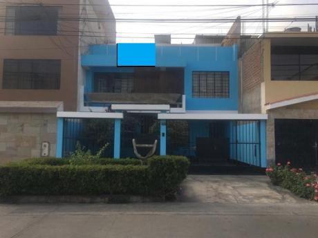 Casa En Venta Tres Pisos, Excelente Ubicacion