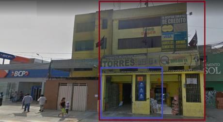Local Costado Del Bcp Frente Estacion Metropolitano Naranjal