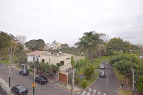 Vendo Casa/terreno De 423 M2 A $1´250,000 En El Olivar, San Isidro