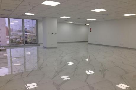 Amplia Oficina Premium 134 M2 Implementada Edificio Lit One