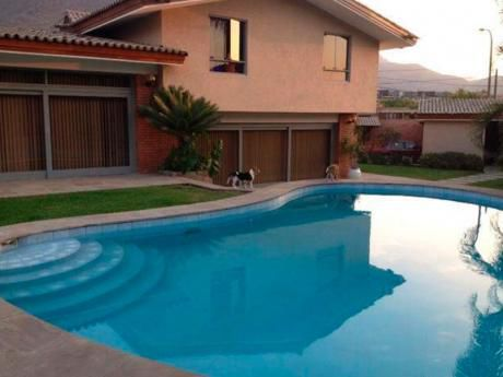 Linda Casa En La Molina, Calle El Velero Cdra 4, Urb, Las Lagunas. 1,300 M2