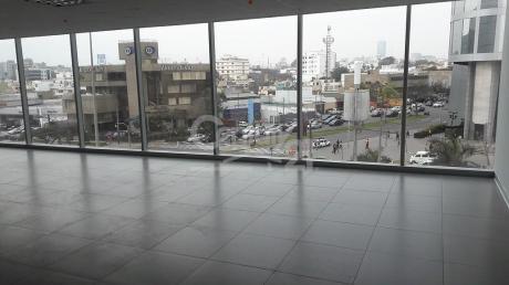 En Alquiler Oficina Premium At.344 M2 De Estreno, En La Moderna Torre Barlovento