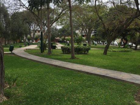 Monterrico Departamento Condominio Frente A Parque