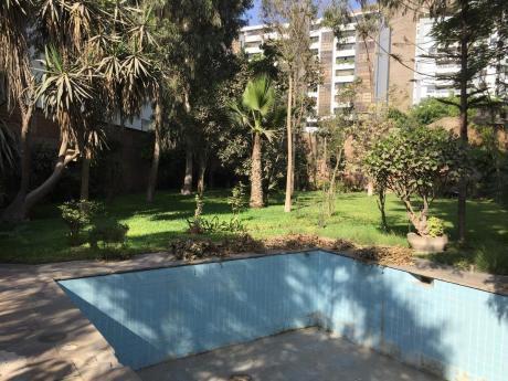 Hermosa Residencia De 1344.50 M2 Frente Al Club Golf´s Los Incas.