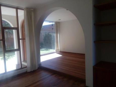 Mas Inmobiliaria Vende Hermosa Casa En Quinta Privada Cayma
