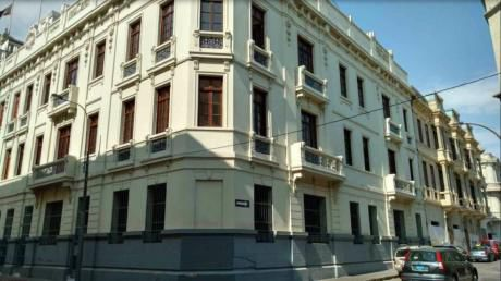 Venta De Hermosa Casona Remodelada En Centro Historico - Cercado De Lima