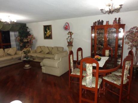 Hermosa Casa Frente Al Parque Urb. La Ensenada La Molina