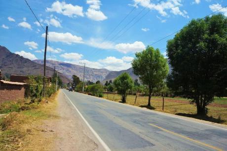 Cusco Huayocari 15,000 M2 - 30,000 M2 Precioso Terreno Valle Sagrado Carretera
