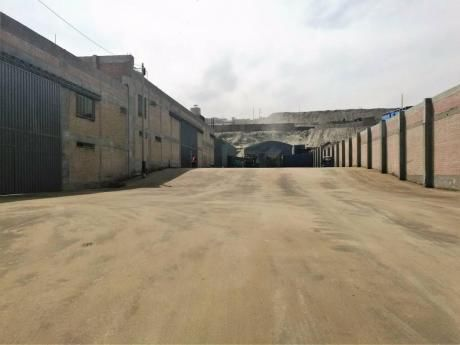 Alquiler Local Industrial At: 2,300 M2