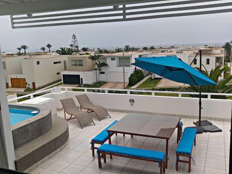 Casa De Playa En Costa Del Sol Con Piscina Excelente Vista