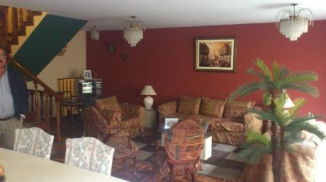 Amplia Y Acogedora Casa / 240 M2/ 4 Dorm/ 2 Cocheras/ La Molina