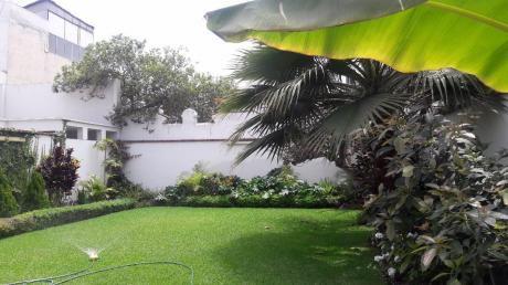Miraflores. Venta De Hermosa Casa 577.50 M2 Dos Pisos Con Jardin.