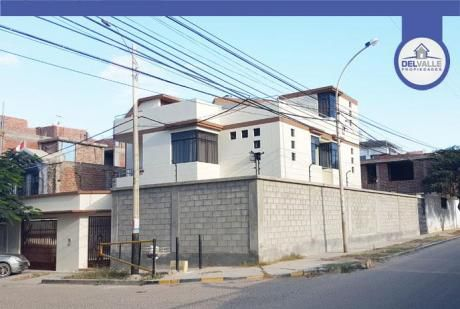 Alquiler De Amplia Casa Urb. Santa María Del Pinar | Piura.