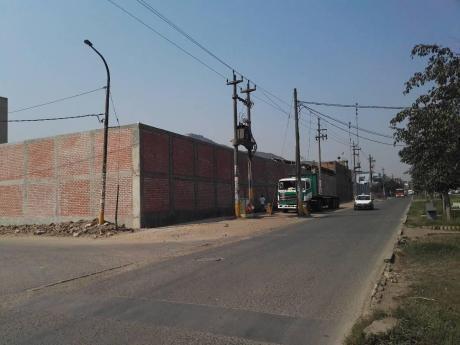 Alquiler De Local Industrial En Campoy - Sjl