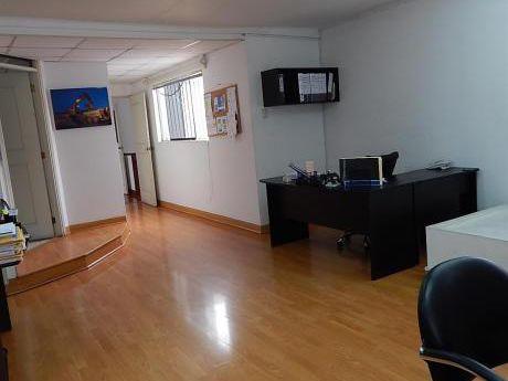 Excelente Casa A 1/2 De Cavenecia 336 M2 $590,000